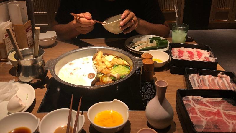Dégustation d'un shabu shabu à Kobe - Liz Mc