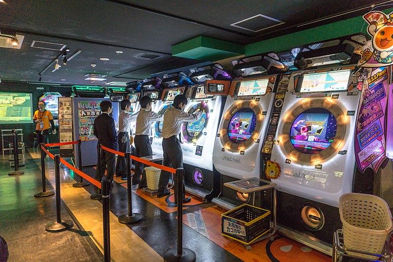 Les jeux d'arcade musicaux d'un club Sega