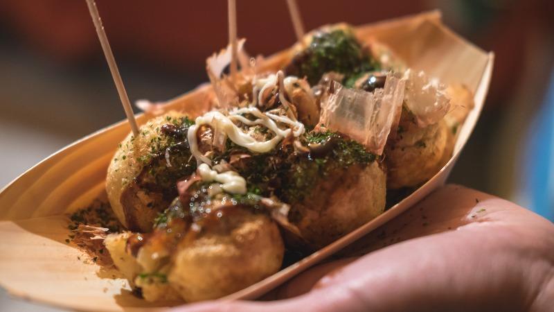 Des takoyaki parfaitement ronds et biens assaisonnés - Leng Cheng