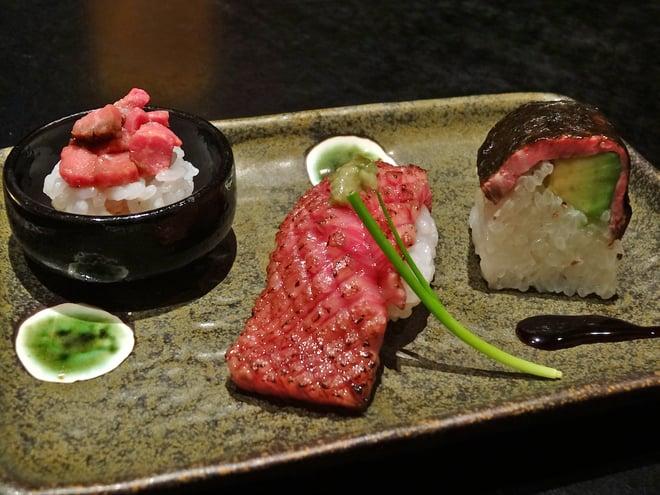 Wagyu Sushi (Kyo Yakiniku Hiro Yasakatei). Photo by Asacyan